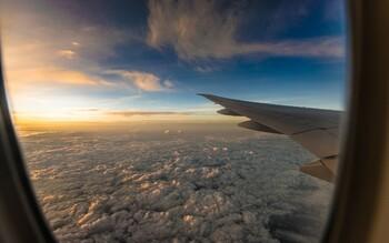 Две трети пассажиров самолётов хотят сидеть у окна и готовы за это доплатить