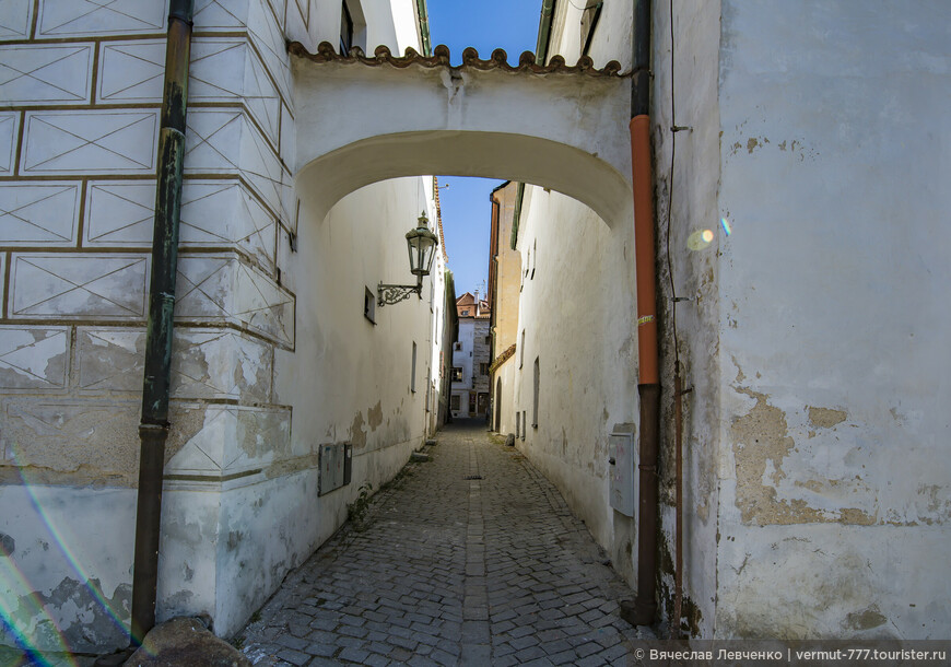 Вид на улицу Panenská.