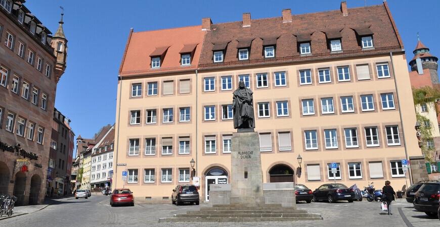 Памятник Альбрехту Дюреру в Нюрнберге