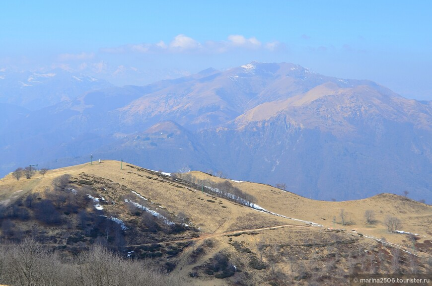 Какая же здесь красота! Горные вершины, альпийские долины, озерная гладь!
