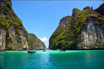 Тайский пляж Майя Бэй будет закрыт ещё пять лет