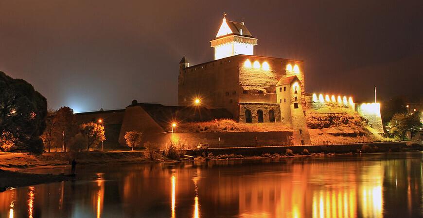 Нарвский замок (Hermanni Linnus)