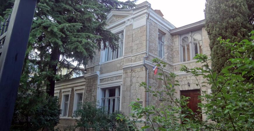 Дача «Голубка» в Алуште