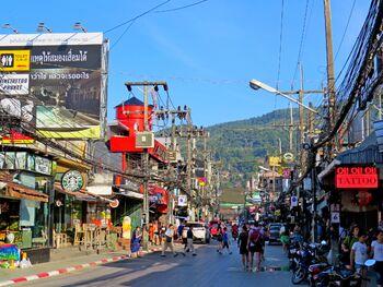 Бангла-роуд — главная улица Патонга