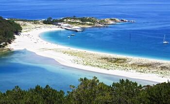 В Испании ограничат число туристов на некоторых островах