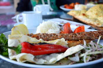 Турецкие отельеры просят туристов доедать всё, что положили себе в тарелку