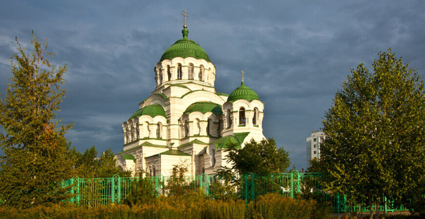Собор святого Владимира в Астрахани