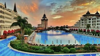 В Турции после реновации открылся знаменитый отель Mardan Palace