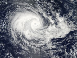 В Индии туристов попросили покинуть курорт из-за циклона
