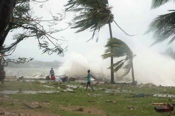 Более миллиона человек эвакуированы из-за циклона в Индии