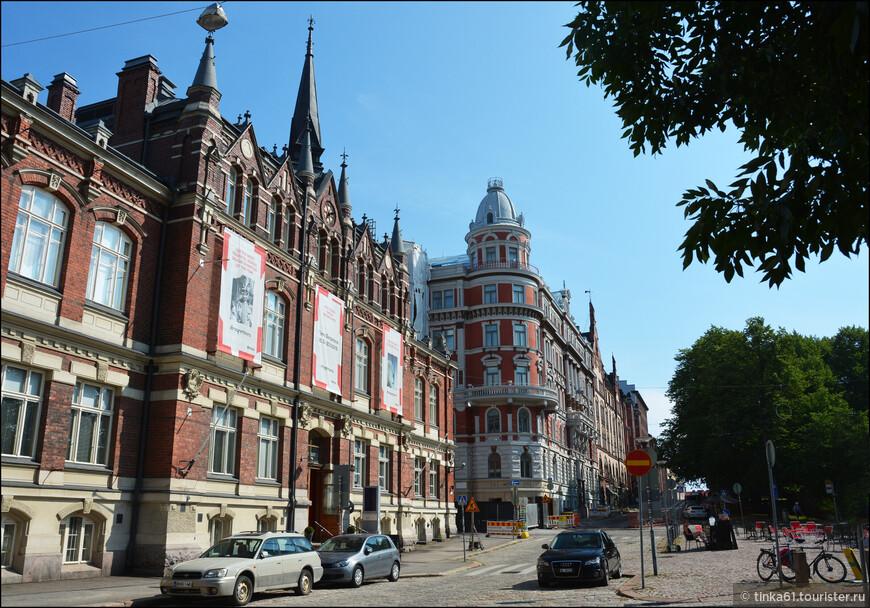 Музей дизайна.Сейчас это место считается одной из лучших современных творческих площадок Европы.