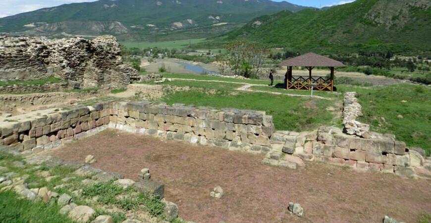 Руины древнего города Армази