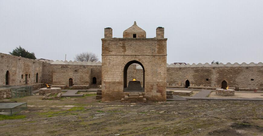 Храм Атешгях в Баку