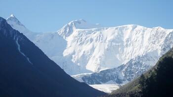 На Алтае под лавиной погибли семь туристов