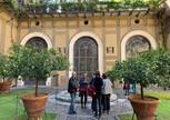 В саду палаццо Медичи