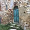 Тоскана, портал 12 века в аббатстве Кольтибуоно, экскурсии по Тоскане и винно-гастрономические туры с частным индивидуальным гидом на русском языке