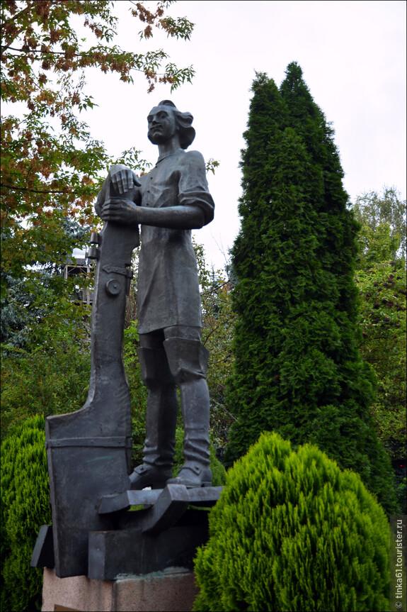 Памятник Петру Первому.