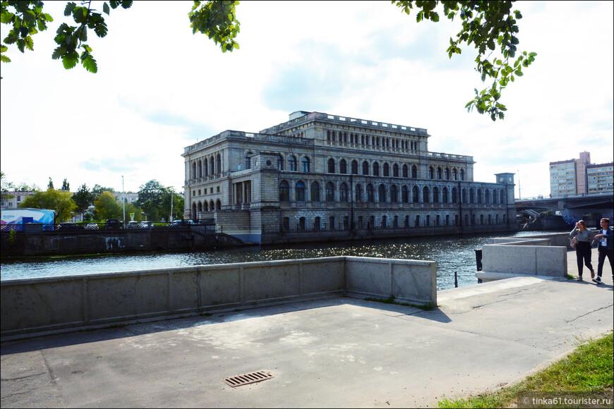 Музей Изобразительных искусств, в прошлом  Здание  кёнигсбергской биржи.