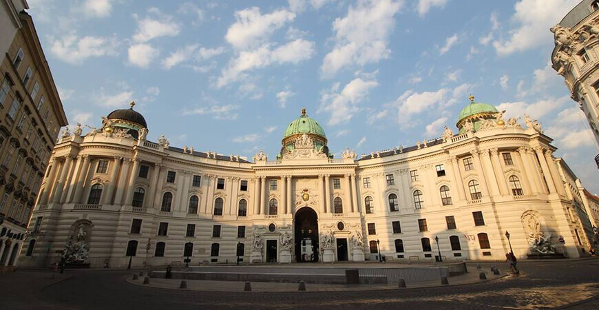 Музеи Хофбурга: Императорские апартаменты, Музей Сисси и Музей серебра