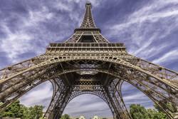 Эйфелеву башню закрыли из-за попытки неизвестного взобраться на неё