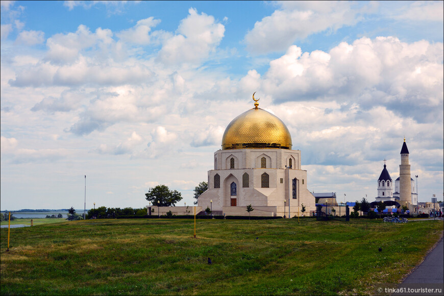 """Памятный знак """"Принятие Ислама"""" был открыт в 2011 году. Эту новую достопримечательность Болгару подарил проект «Культурное наследие Татарстана»."""