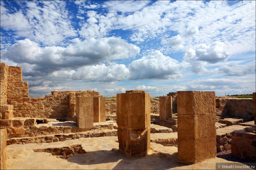 Белая палата это образец здания, сооруженного по образу и подобию  средневековых восточных бань Средней Азии, Крыма и Закавказья.