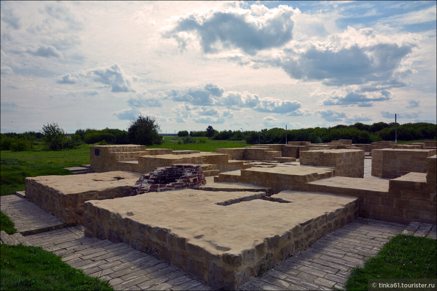 Восточная палата. Еще одна общественная баня конца 13 века.