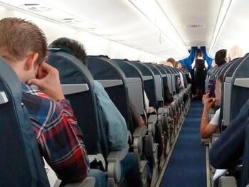 Пассажир рейса Москва – Симферополь устроил дебош на борту и умер