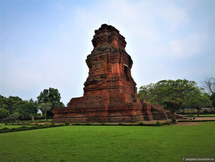 Индонезия кроме Бали: древние развалины Тровулан