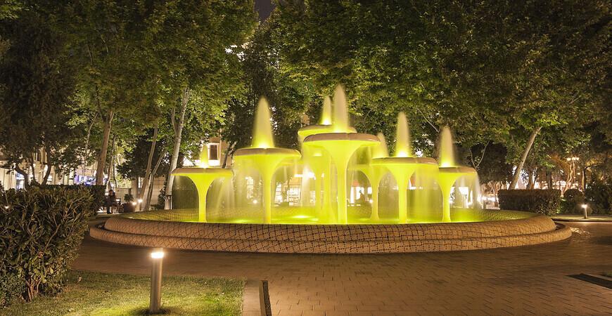 Площадь фонтанов в Баку