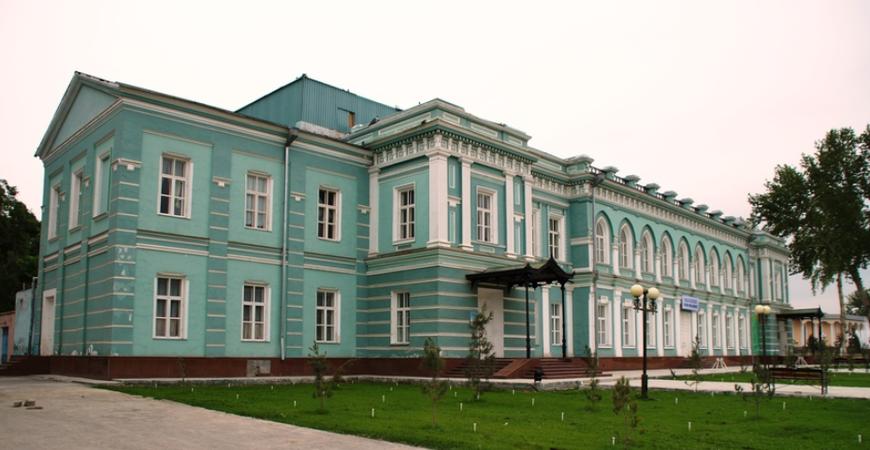 Здание военного губернатора в Фергане