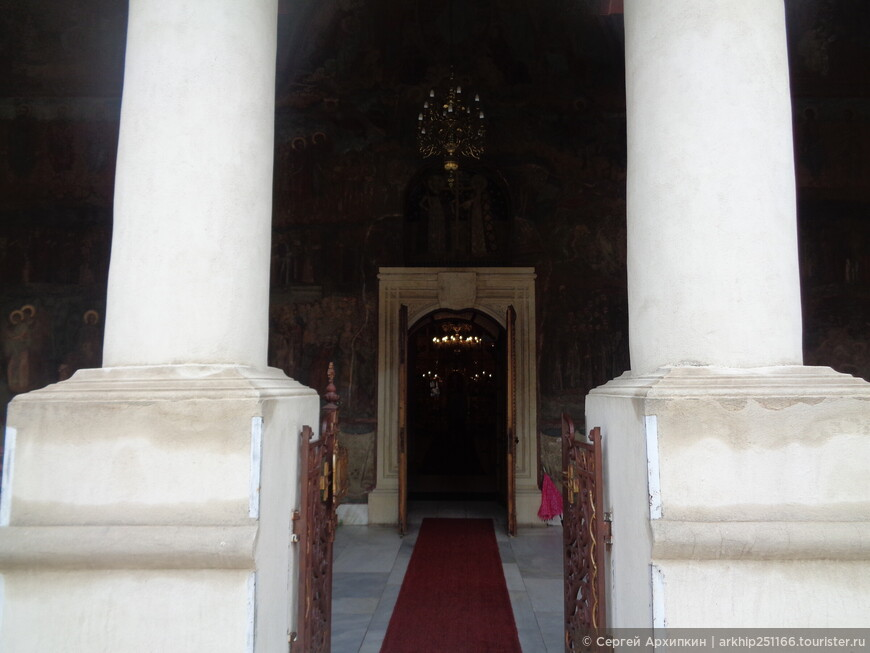 Входим в собор