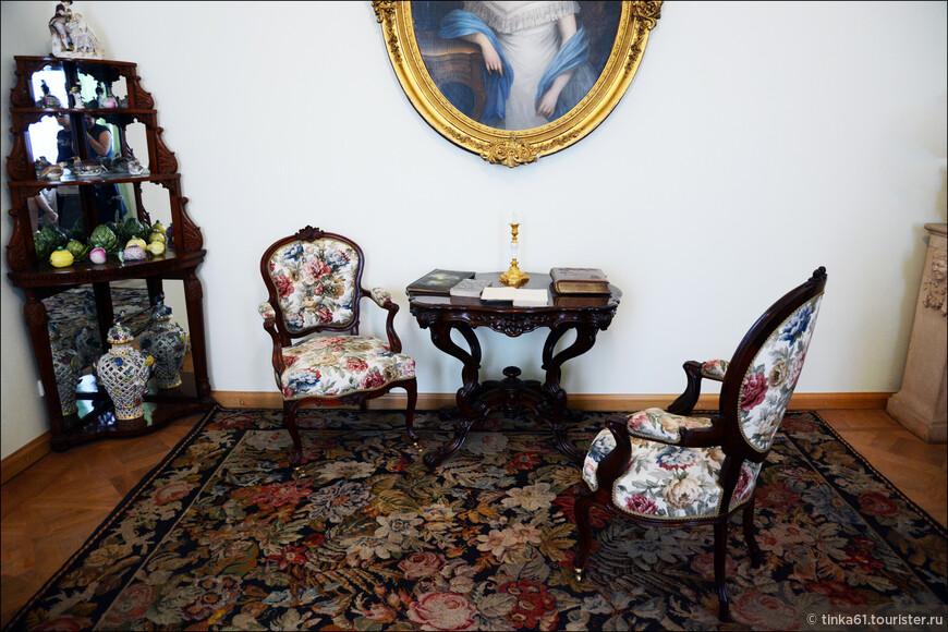 Интерьеры жилых помещений дворца. Тоже интересно посмотрть.