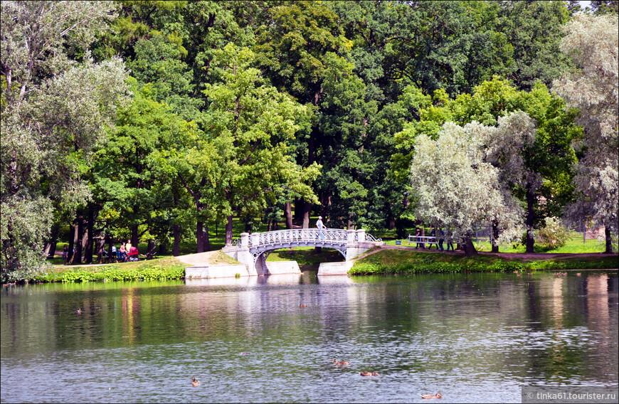 Каналы и мостики Дврцового парка.