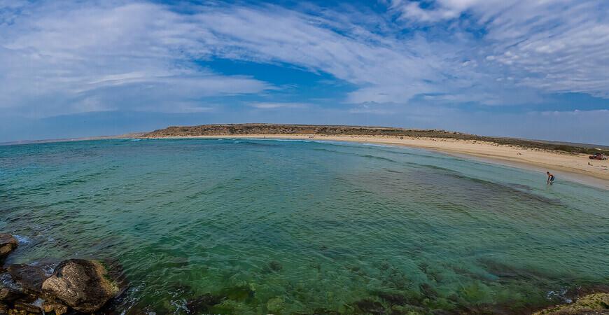 Пляж Голубая бухта в Казахстане