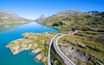 Британская компания предлагает тур на поезде через 14 стран