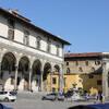 арки эпохи Возрождения на площади Сантиссима Аннунциата, здесь находится самая почитаемая икона Флоренции, экскурсия с частным индивидуальным гидом по Флоренции