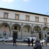 арки эпохи Ренессанс на площади базилики Санта Мария Новелла, пристроены к старинной больнице 14 века,экскурсия с частным индивидуальным гидом по Флоренции
