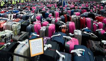 В Шереметьево остаётся тонна необработанного багажа
