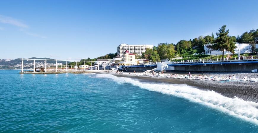 Пляж санатория «Заполярье» в Сочи