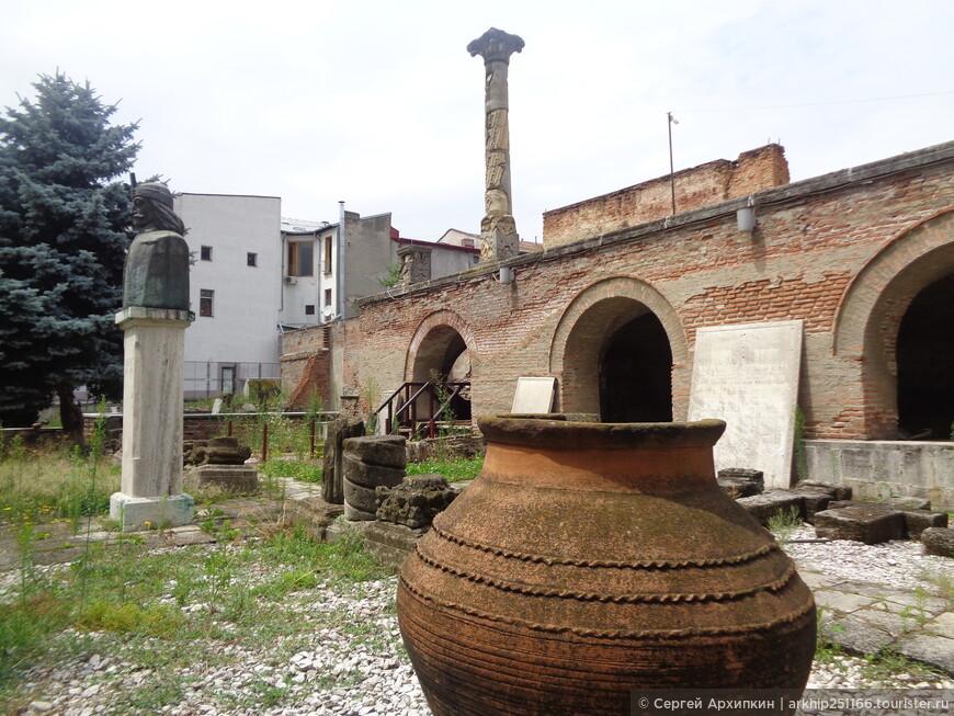 Руины старого княжеского двора