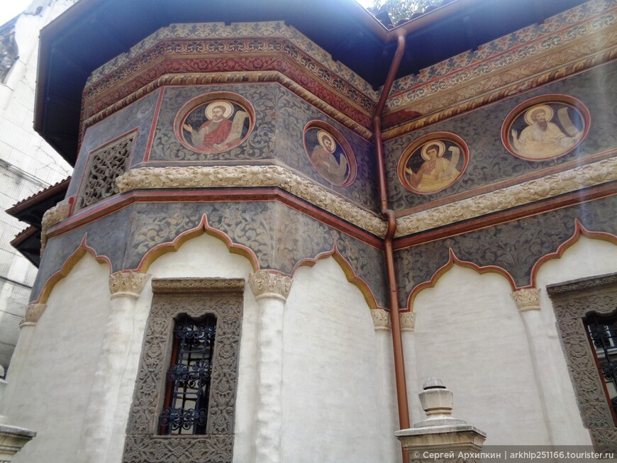 Роспись стен церкви