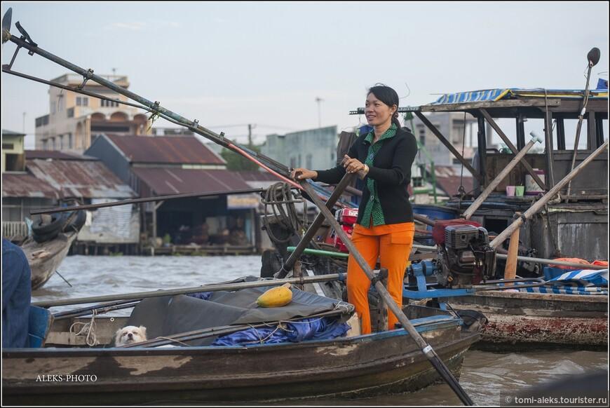 Вьетнамки толстыми не бывают... Едят только рис и овощи... Американский фастфуд не уважают...