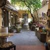 Флоренция, внутренний дворик с магазином керамики, экскурсии по Флоренции и Тоскане с частным индивидуальным гидом на русском языке