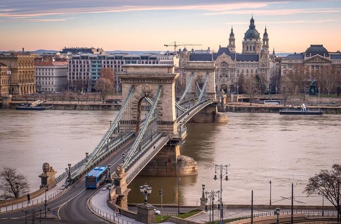 Будапеште в стоимость часов кв красноярск стоимость часа
