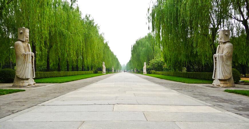 Гробницы династии Мин в Пекине (Ming tombs)