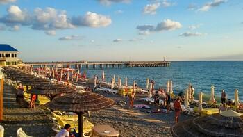 Власти Сочи откроют для отдыхающих все пляжи курорта