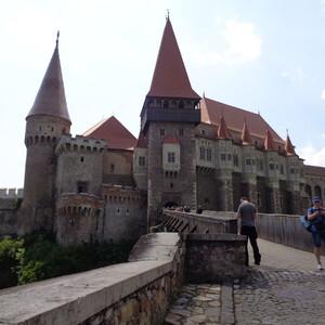 Хунедоара и ее средневековый замок