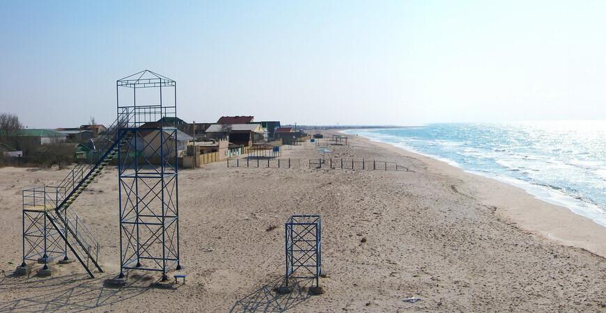 Пляж в Штормовом