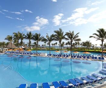 В Доминикане отель Hard Rock Hotel and Casino Punta Cana убрал алкоголь из мини-баров в номерах